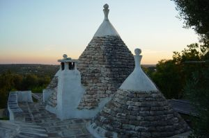 trulli-at-sunset-puglia_italy_trulli_492570_o